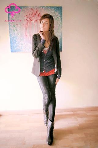 Annette Nichols in her San Francisco studio 2012